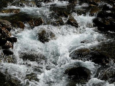 Eau fraîche du canyon du Llech