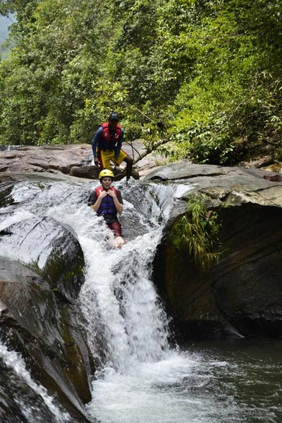 techniques canyoning : glissades toboggans